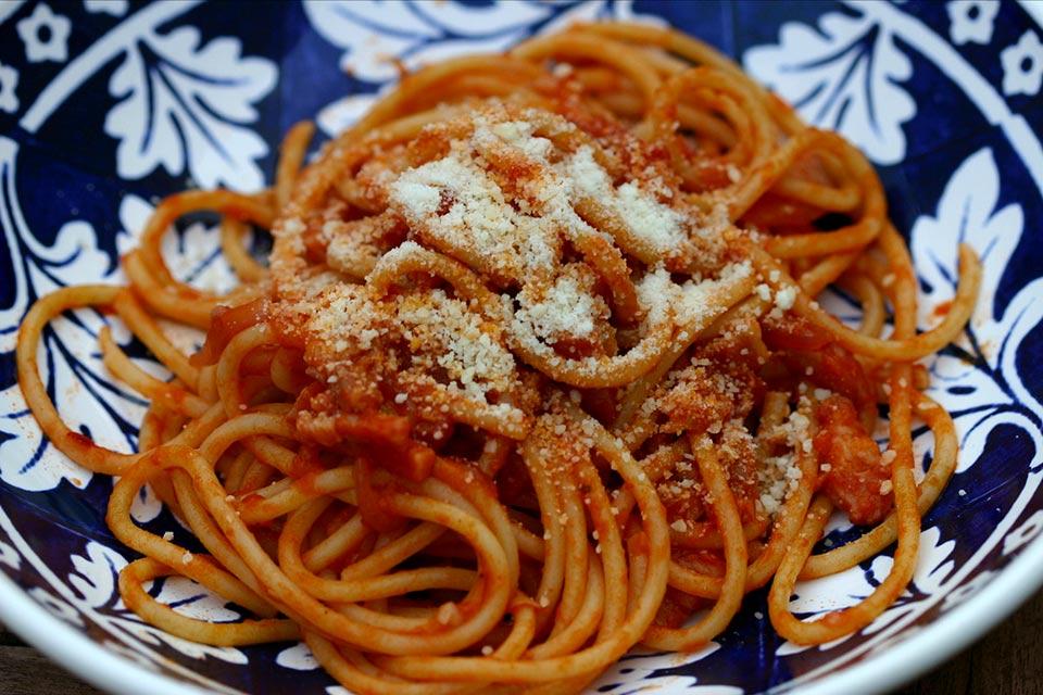 Pici all'aglione piatto tipico