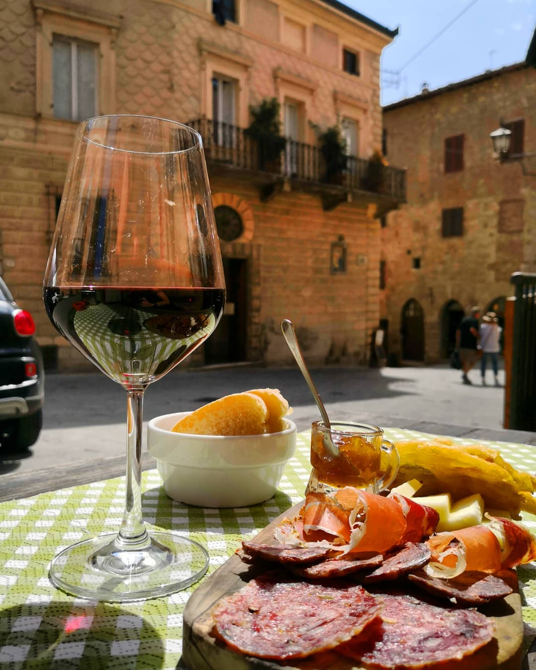 where to taste wines in Montepulciano