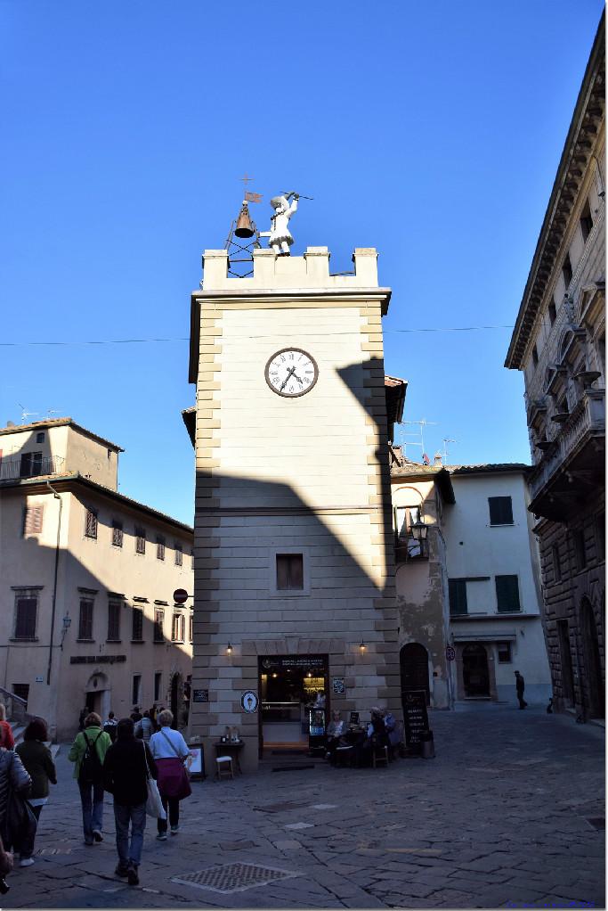 Storia della Torre di Pulcinella di Montepulciano