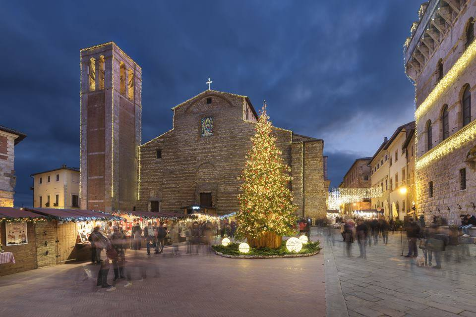 Christmas Shopping in Montepulciano