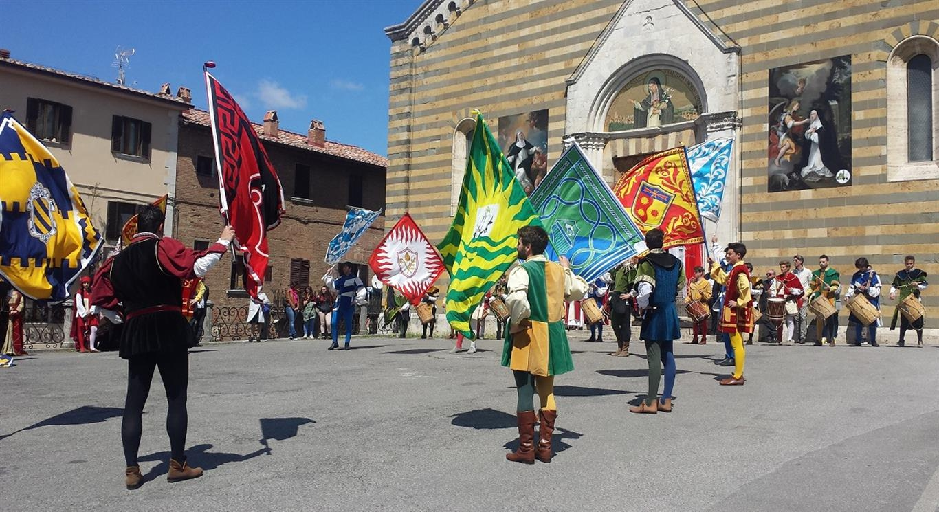 Montepulciano historic center parade