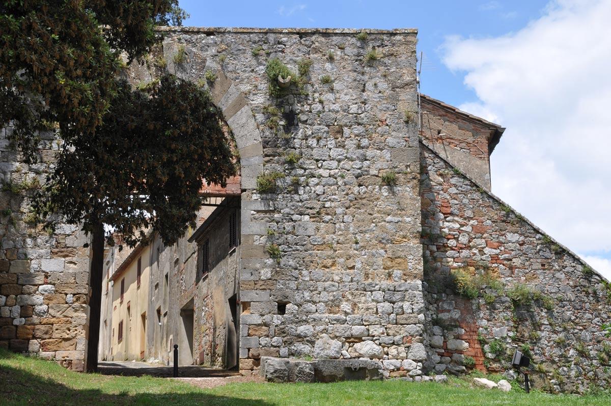 Montefollonico, itinerario vicino Montepulciano