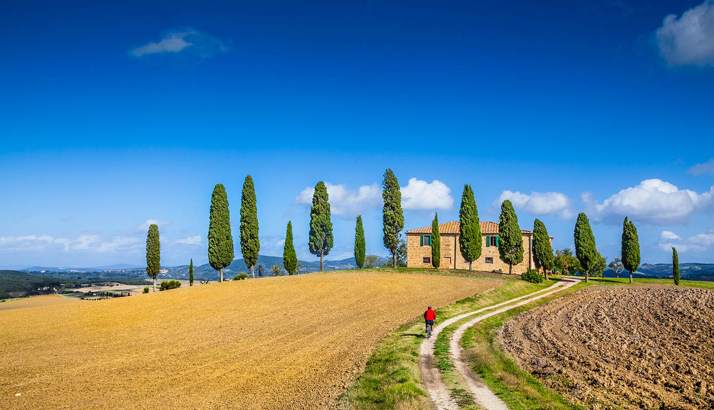 Biking in Val d'Orcia, 3 recommended routes